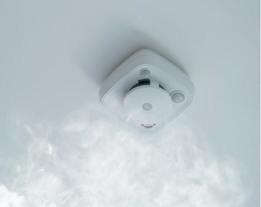 Détecteur de mouvement, fumée et chaleur sans fil AC-PSD Yale